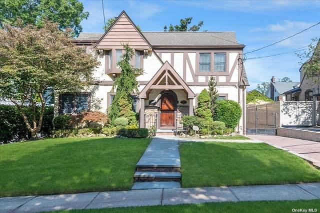 3 Carolina Road, Douglaston, NY 11362 (MLS #3353127) :: Mark Boyland Real Estate Team