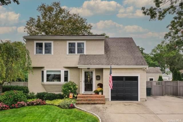 118 N Prospect Avenue, Patchogue, NY 11772 (MLS #3353285) :: Signature Premier Properties