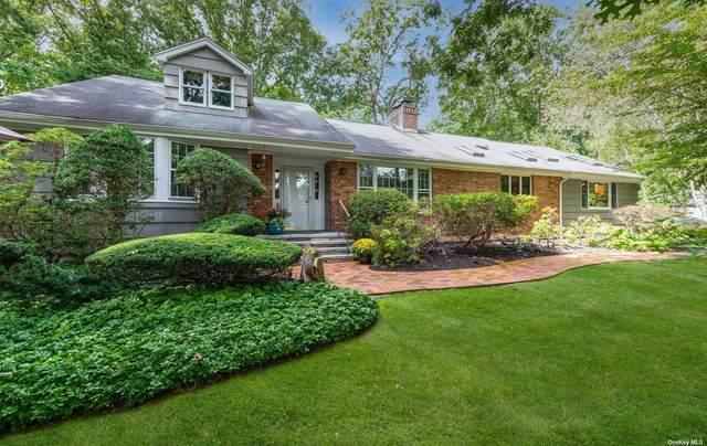 Laurel Hollow, NY 11791 :: Signature Premier Properties