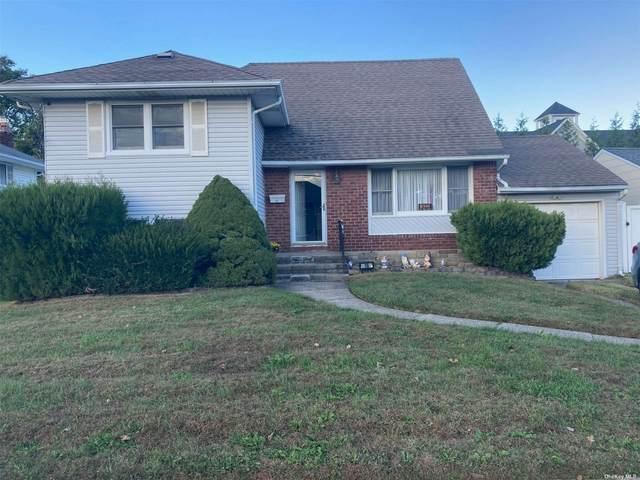 16 Manor Lane, Copiague, NY 11726 (MLS #3353417) :: Mark Boyland Real Estate Team