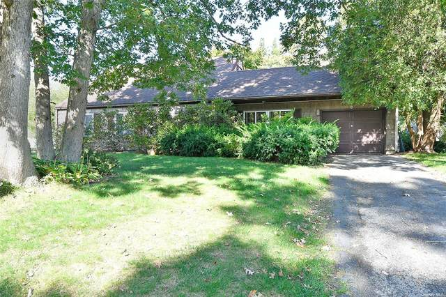 5 Swisstone Street, Medford, NY 11763 (MLS #3353468) :: Mark Boyland Real Estate Team