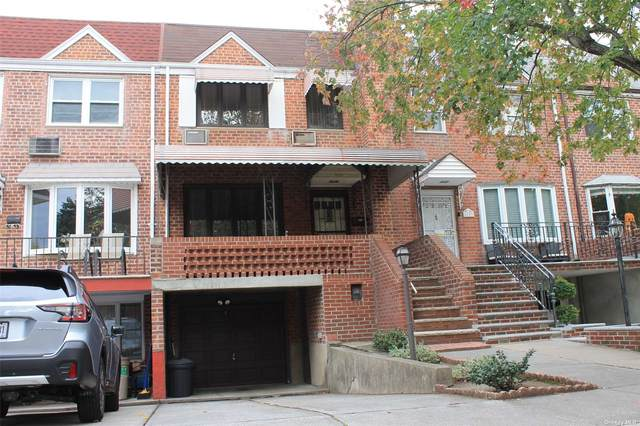 61-51 75th Place, Middle Village, NY 11379 (MLS #3353609) :: The Clement, Brooks & Safier Team