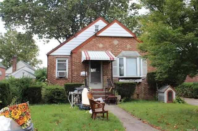 255 Commonweath Street, Franklin Square, NY 11010 (MLS #3353653) :: Signature Premier Properties