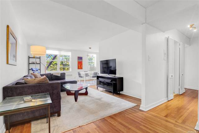 31-85 Crescent Street #205, Astoria, NY 11106 (MLS #3353690) :: The Clement, Brooks & Safier Team