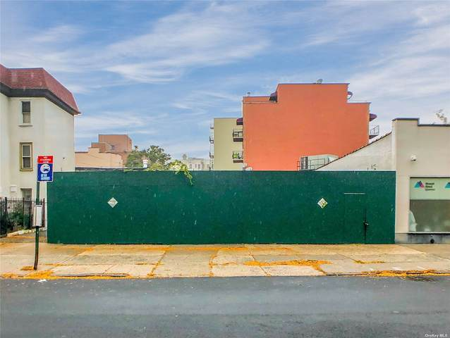 27-09/11 30th Avenue, Astoria, NY 11102 (MLS #3353735) :: RE/MAX RoNIN