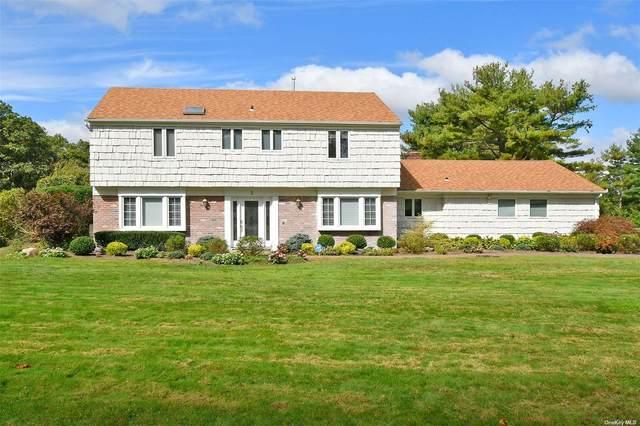 3 Pettit Drive, Dix Hills, NY 11746 (MLS #3353851) :: Signature Premier Properties