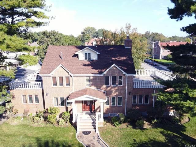 244-15 Alameda, Douglaston, NY 11362 (MLS #3354495) :: Mark Boyland Real Estate Team