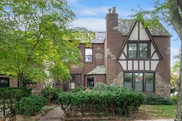 94-04 68 Avenue, Forest Hills, NY 11375 (MLS #3354529) :: Mark Boyland Real Estate Team