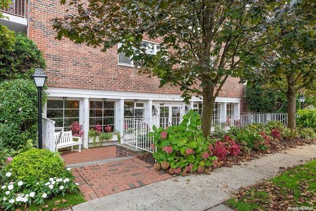 21 Chapel Place 2N, Great Neck, NY 11021 (MLS #3354548) :: Goldstar Premier Properties