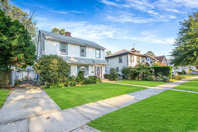 88-57 195th Place, Hollis, NY 11423 (MLS #3354577) :: Carollo Real Estate