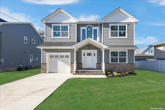 1105 Hawkins Boulevard, Copiague, NY 11726 (MLS #3354634) :: Cronin & Company Real Estate