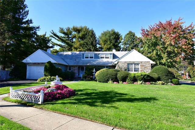 215 N Brookside Avenue, Freeport, NY 11520 (MLS #3354725) :: Mark Boyland Real Estate Team