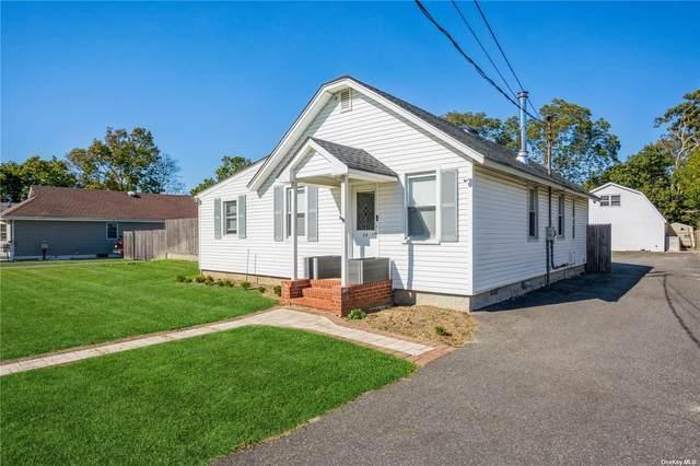 29 Robert Street, Patchogue, NY 11772 (MLS #3354762) :: Cronin & Company Real Estate