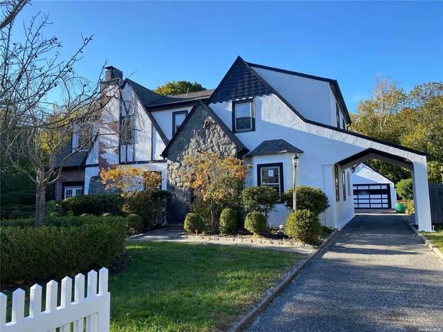 22 Merritts Pond Road, Riverhead, NY 11901 (MLS #3354838) :: Cronin & Company Real Estate