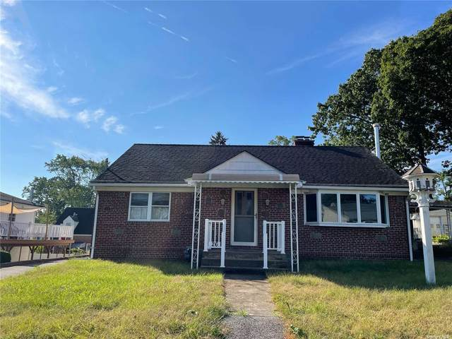 26 Satinwood Road, Bayville, NY 11709 (MLS #3354946) :: The SMP Team