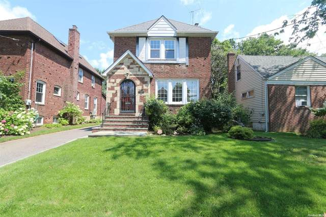 115 Canterbury Gate, Lynbrook, NY 11563 (MLS #3354956) :: Cronin & Company Real Estate