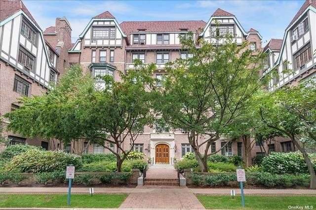 4 Dartmouth Street #412, Forest Hills, NY 11375 (MLS #3354970) :: Carollo Real Estate