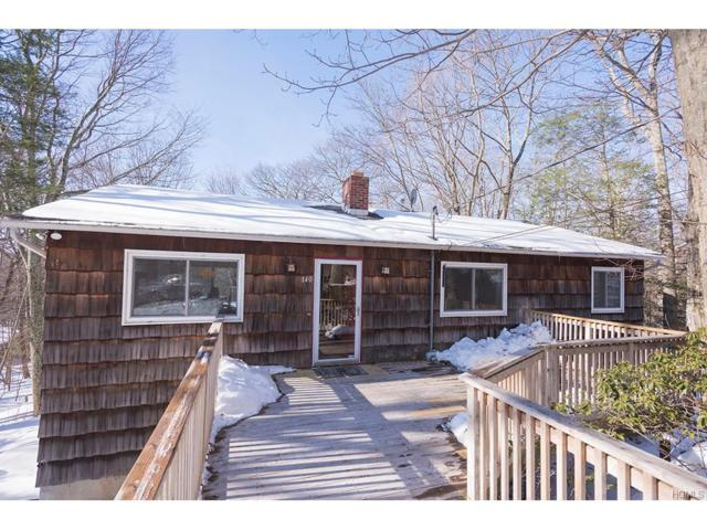 140 Carol Street, Danbury, CT 06810 (MLS #4801819) :: Mark Boyland Real Estate Team