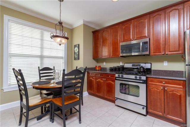 33 Maura Lane, Danbury, CT 06810 (MLS #4813486) :: Mark Boyland Real Estate Team