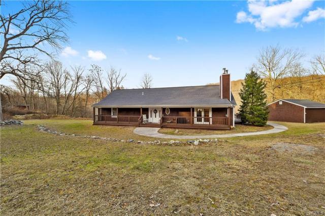 1813 Hunterbrook Road, Yorktown Heights, NY 10598 (MLS #4814293) :: Mark Boyland Real Estate Team
