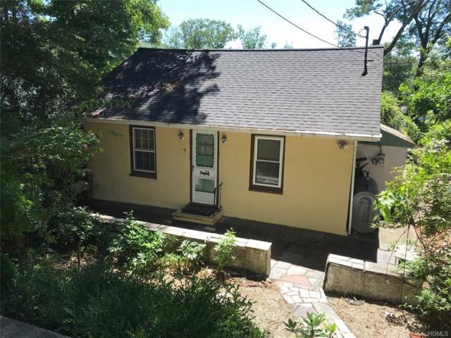 7 Diane Court, Greenwood Lake, NY 10925 (MLS #4834028) :: Michael Edmond Team at Keller Williams NY Realty