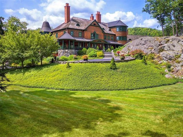 194 E Lake Road, Tuxedo Park, NY 10987 (MLS #4837503) :: Stevens Realty Group