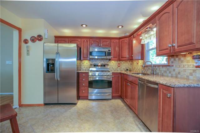 40 Smith Hill Road, Airmont, NY 10952 (MLS #4841556) :: William Raveis Baer & McIntosh