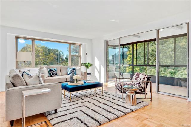 72 Pondfield Road 3A, Bronxville, NY 10708 (MLS #4850509) :: Mark Boyland Real Estate Team