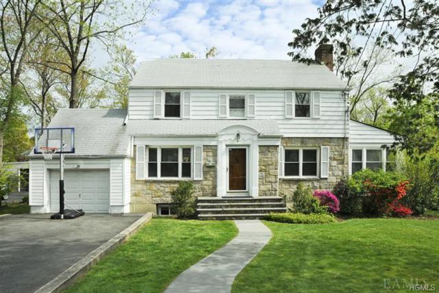9 Longview Drive, Scarsdale, NY 10583 (MLS #4927504) :: Shares of New York