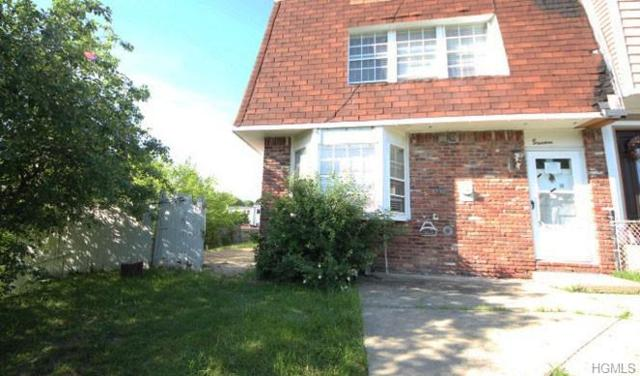 18 Chaucer Court, Middletown, NY 10941 (MLS #4953369) :: William Raveis Legends Realty Group