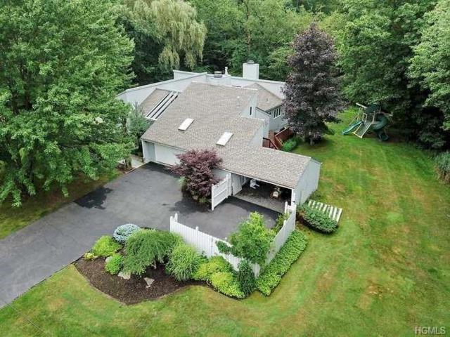 17 Tara Drive, Pomona, NY 10970 (MLS #4992552) :: Mark Boyland Real Estate Team