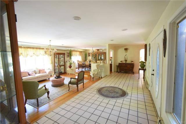 14 Dixwell Road, New City, NY 10956 (MLS #4994828) :: Mark Boyland Real Estate Team