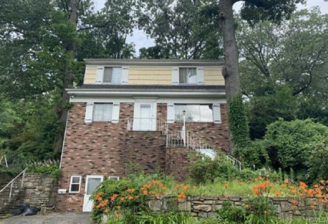 141 Linn Avenue, Yonkers, NY 10705 (MLS #4996241) :: Mark Boyland Real Estate Team