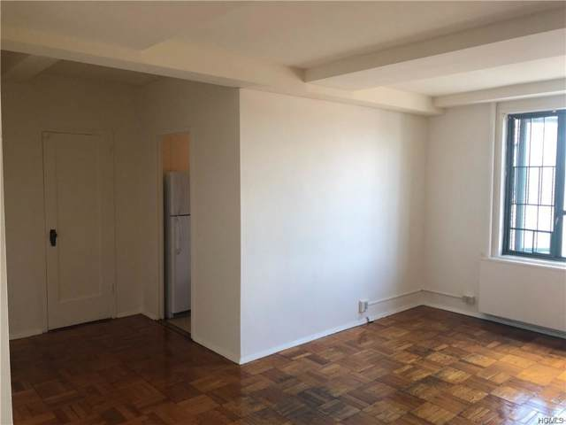 2140 E Tremont Avenue 7D, Bronx, NY 10462 (MLS #5071407) :: Mark Seiden Real Estate Team