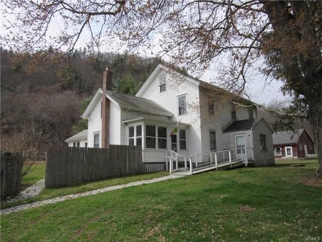 383 Old Pawling Road, Pawling, NY 12564 (MLS #5117696) :: Mark Boyland Real Estate Team
