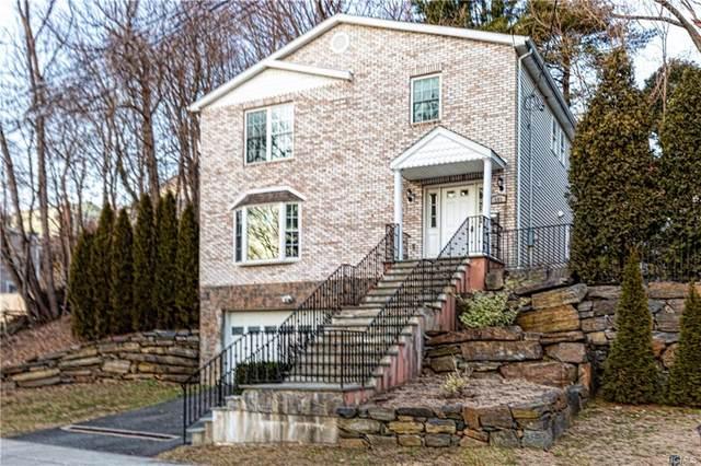 151 Greenvale Avenue, Yonkers, NY 10703 (MLS #6017091) :: Mark Boyland Real Estate Team