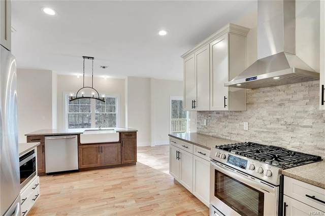 28 Debra Lane, New Windsor, NY 12553 (MLS #H6024123) :: Mark Boyland Real Estate Team