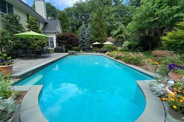21 Arrowcrest Drive, Croton-On-Hudson, NY 10520 (MLS #H6042043) :: Frank Schiavone with William Raveis Real Estate