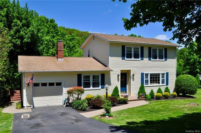 77 Washington Drive, Woodbury Town, NY 10930 (MLS #H6042161) :: William Raveis Legends Realty Group