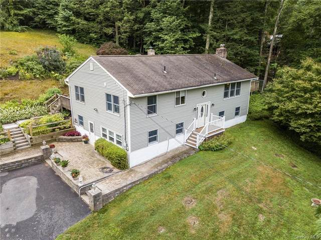 8 Round Hill Drive, Pawling, NY 12564 (MLS #H6047494) :: Frank Schiavone with William Raveis Real Estate