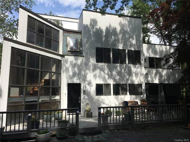 82 Scofield Road, Pound Ridge, NY 10576 (MLS #H6054442) :: Mark Boyland Real Estate Team