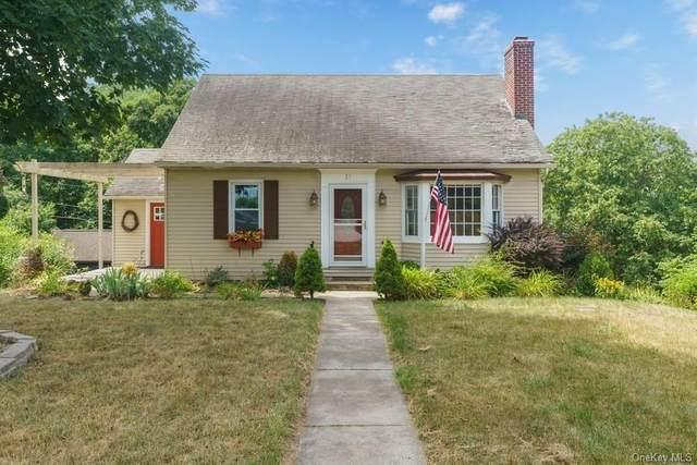 17 Mountain View Road, Poughkeepsie, NY 12603 (MLS #H6057354) :: Frank Schiavone with William Raveis Real Estate