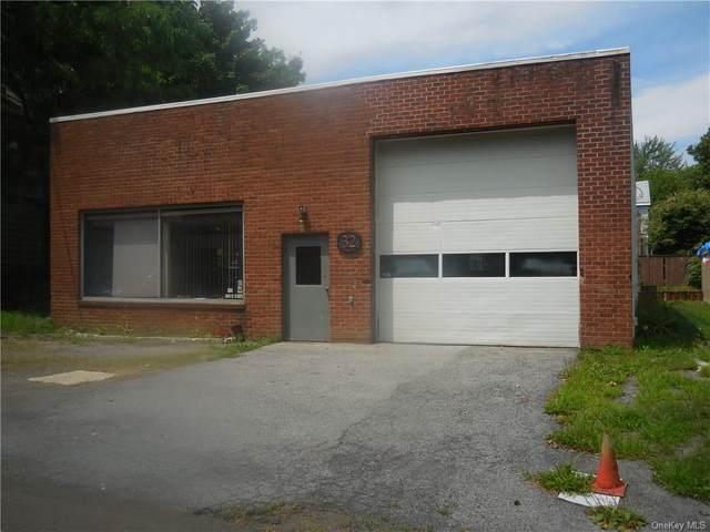 32 Cedar Avenue, New Windsor, NY 12553 (MLS #H6057854) :: Frank Schiavone with William Raveis Real Estate