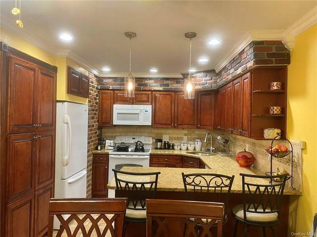 1408 Old Country Road, Elmsford, NY 10523 (MLS #H6058793) :: William Raveis Legends Realty Group