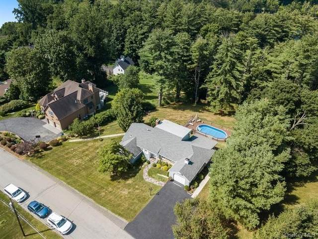 9 Sunset Ridge, Carmel, NY 10512 (MLS #H6059850) :: Frank Schiavone with William Raveis Real Estate