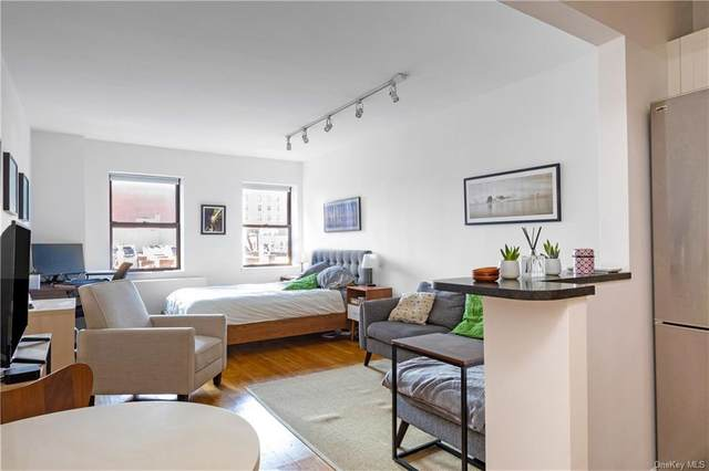 186 W 80th Street 6E, Newyork, NY 10024 (MLS #H6060035) :: Cronin & Company Real Estate