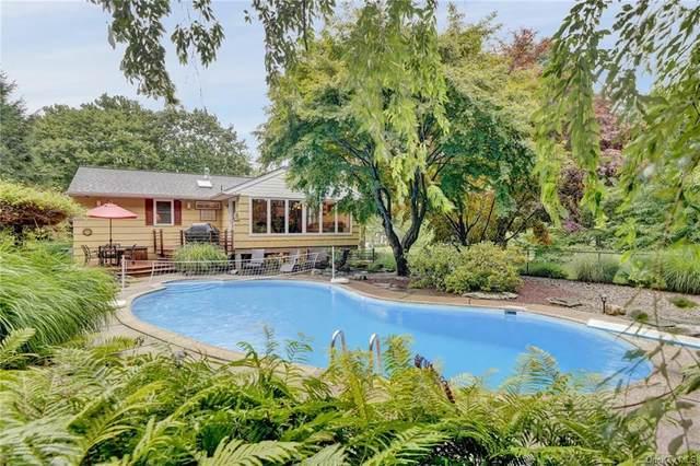 2 Castle Drive, Chestnut Ridge, NY 10977 (MLS #H6060059) :: Frank Schiavone with William Raveis Real Estate