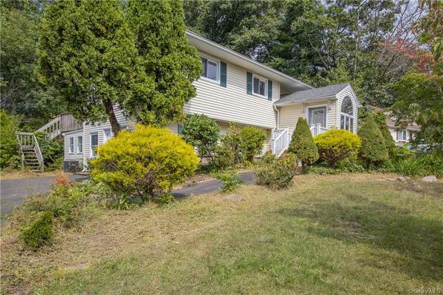 17 Foxcroft Drive, Nanuet, NY 10954 (MLS #H6069181) :: Mark Boyland Real Estate Team