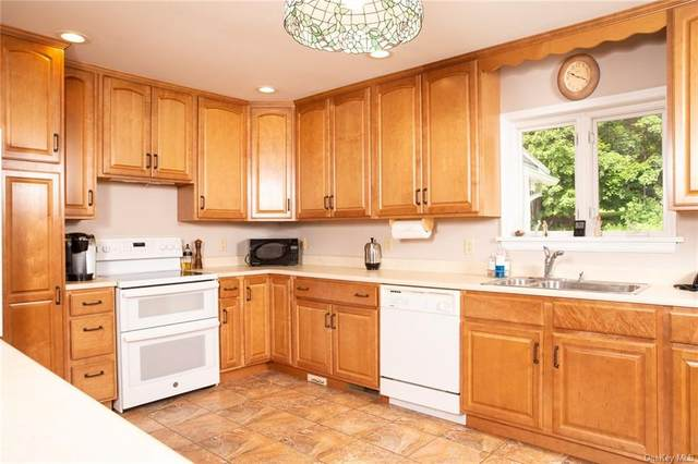 140 Cramer Road, Poughkeepsie, NY 12603 (MLS #H6069710) :: Frank Schiavone with William Raveis Real Estate