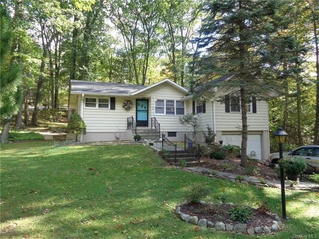 2 Arthur Street, Danbury, CT 06810 (MLS #H6075402) :: Frank Schiavone with William Raveis Real Estate